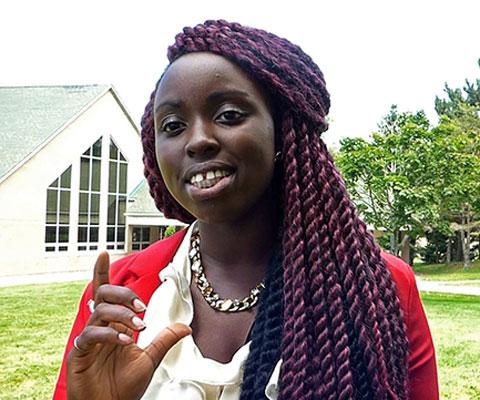 Frida Misago, étudiante, Université de Moncton.