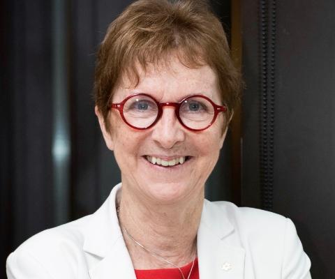 Janet Rossant, scientifique principale et directrice de recherche émérite à l'Hôpital pour enfants de Toronto, et professeure à la University of Toronto